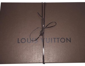 Louis Vuitton Auth Lv Box With Ribbon