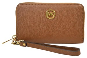 Michael Kors New Fulton Leather Zip Around Smartphone Tan Wristlet