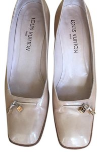 Louis Vuitton Tan Pumps