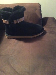 UGG Australia Black and tan Boots