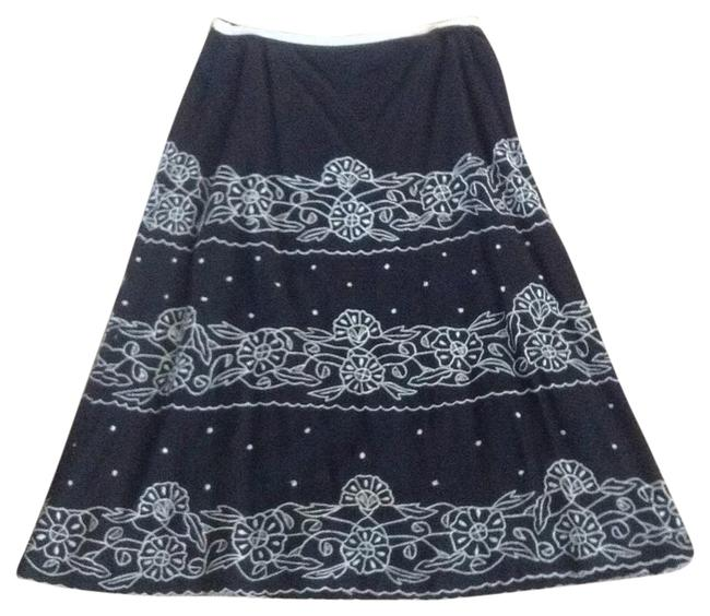 Preload https://img-static.tradesy.com/item/18743983/anthropologie-black-skirt-size-4-s-27-0-1-650-650.jpg