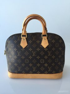 Louis Vuitton Satchel Lv Alma Lv Tote in Monogram