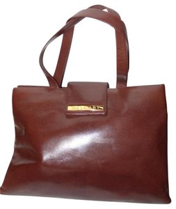 BVLGARI Made By Xl Tote/Satchel Gold Hardware Great Everyday Mint Condition Satchel in Brown