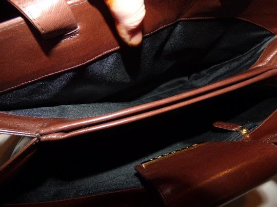 BVLGARI Made By Xl Tote/Satchel Gold Hardware Great Everyday Mint Condition Satchel in Brown Image 7