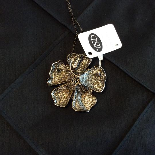 Other Black and White Cubic Zirconia Large Flower Necklace [SHIPS NEXT DAY] Image 3
