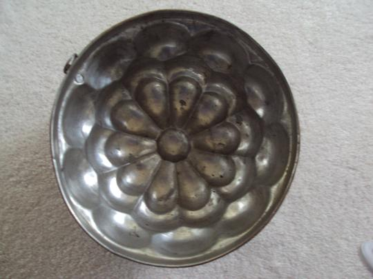 Other Vintage Copper Jello Mold With Hanging Hook Image 1