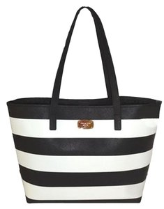 Michael Kors Tote in black/bone