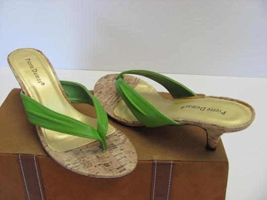 Pierre Dumas Size 7.00 M Very Good Condition Green, Neutral Sandals Image 2