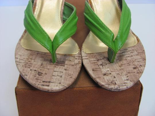 Pierre Dumas Size 7.00 M Very Good Condition Green, Neutral Sandals Image 3