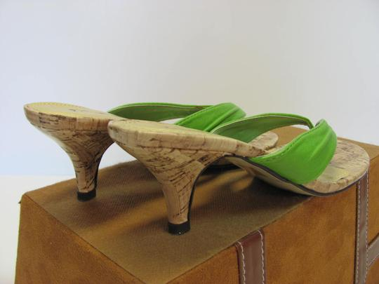 Pierre Dumas Size 7.00 M Very Good Condition Green, Neutral Sandals Image 6