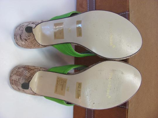 Pierre Dumas Size 7.00 M Very Good Condition Green, Neutral Sandals Image 7