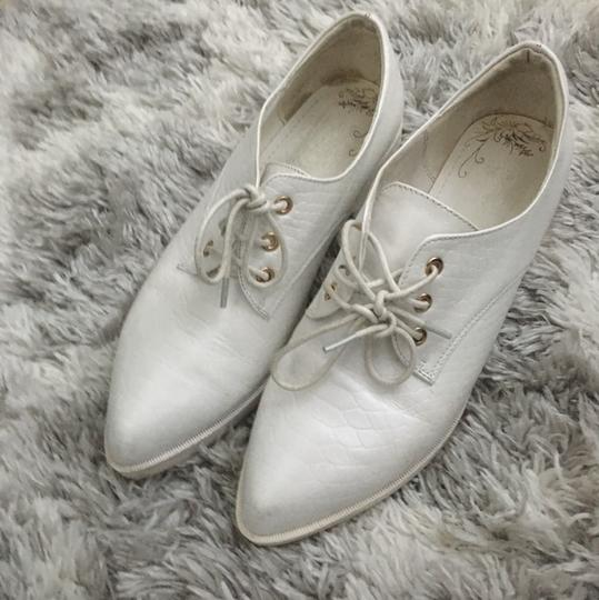 Other White Flats Image 2