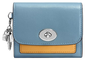 Coach NWT COACH CHARM FLAP COIN WALLET LEATHER CORNFLOWER #65150