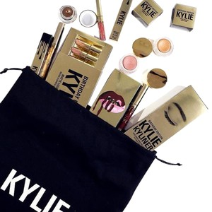 Kylie Cosmetics KYLIE's 19th Birthday Edition/Make-up BUNDLE/LTD Edition/No Re-release!