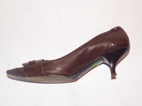 Prada Dressy Or Casual Kitten Heels Chrome Buckles Square Pointy Toe Excellent Condition brown leather Pumps Image 3