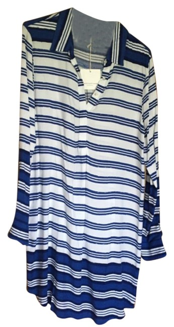 Preload https://img-static.tradesy.com/item/18757945/bluewhite-above-knee-short-casual-dress-size-10-m-0-1-650-650.jpg