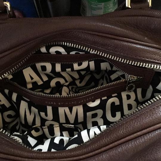 Marc by Marc Jacobs Satchel in Brown Image 5