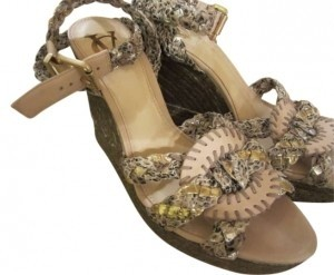 Vero Cuoio Wedge naural, neutral, beige and off white with gold metallic details Wedges