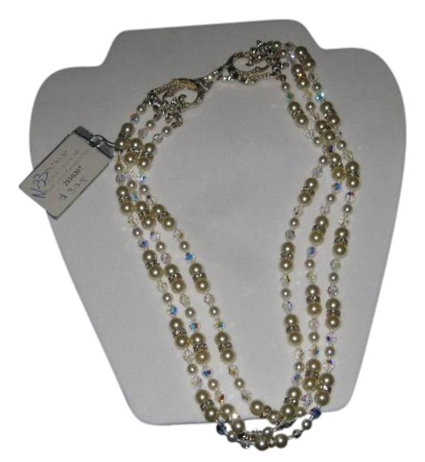 "Item - Cream White P6750-3p-16"" ( N-33) Crystal & Pearl with Ornate Clasp Necklace"