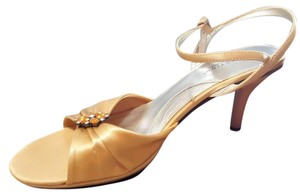 Kenneth Cole Reaction Honey (Gold) with Applique Formal