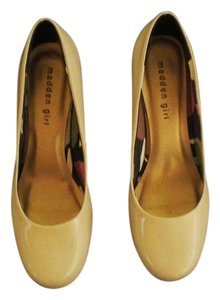 Madden Girl Black Patent Classic Synthetic Leather Round Toe Bone Patent Pumps