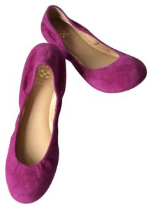 Vince Camuto New With Tags Berry Flats
