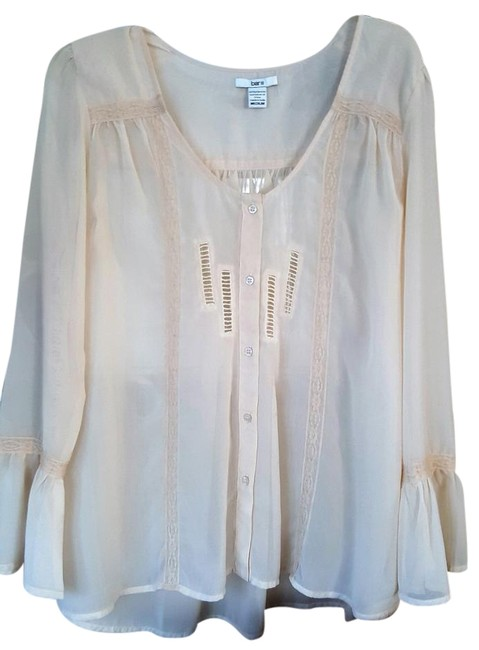 Preload https://img-static.tradesy.com/item/18763708/bar-iii-creme-blouse-size-8-m-0-1-650-650.jpg