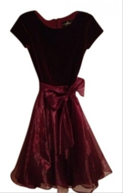 Preload https://img-static.tradesy.com/item/18766/js-collections-burgundy-above-knee-cocktail-dress-size-8-m-0-0-650-650.jpg