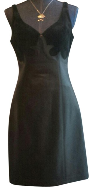 Item - Black / Suede Scalloped Above Knee Night Out Dress Size 8 (M)