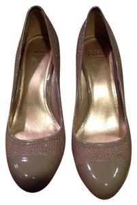 Joan & David Tan Pumps