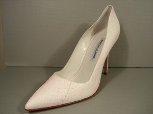 Manolo Blahnik Classic Style New Timeless Whipsnake/snake Creamy White & Pink Pumps