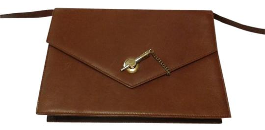 Preload https://img-static.tradesy.com/item/18768130/envelope-style-light-brown-leather-clutch-0-1-540-540.jpg