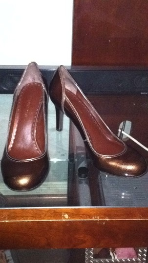 Gianni Bini Metallica brown Pumps