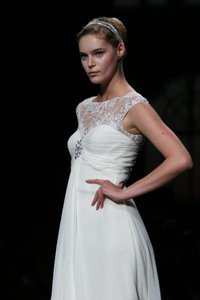 Pronovias Ucrania Wedding Dress