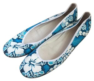 Delman Blue and white Flats