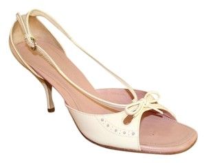 Miu Miu Kitten Heel Patent Leather Vintage white Pumps