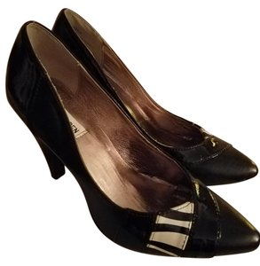 Steve Madden Zebra Pointed Toe Black Pumps