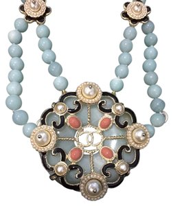 Chanel CHANEL NWT GREEN & COLORFUL STONE & FAUX PEARL NECKLACE (ORIG $1925)