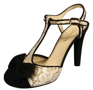 Chanel Lace & Silk New Lace Bow Black & White Pumps