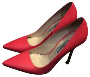 Prada hot pink Pumps