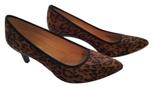Naturalizer Pointed Toe Leopard Pumps