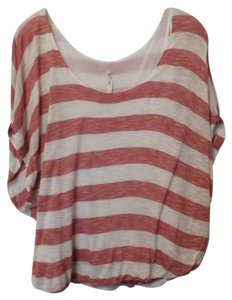 Willow & Clay Knit Anthropologie Batwing Bubble Hem Medium Top Red and white