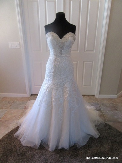 Preload https://img-static.tradesy.com/item/18772843/bonny-bridal-ivorygold-lace-and-tulle-500-traditional-wedding-dress-size-6-s-0-0-540-540.jpg