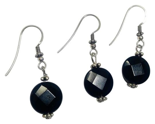 Preload https://img-static.tradesy.com/item/18775072/silver-black-sterling-onyx-gemstone-a361-earrings-0-1-540-540.jpg