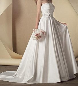 Alfred Angelo 2441 Wedding Dress