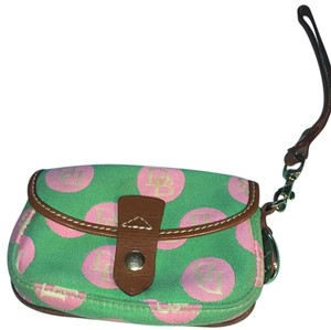 Dooney & Bourke Wristlet in Mint