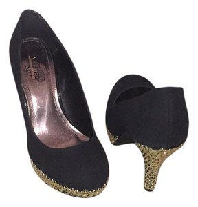 Kenneth Cole Black and Gold Pumps