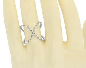Jewelry Unlimited 14k White Gold Crisscross Ring