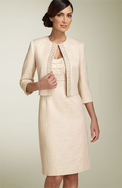 Item - Beige and Gold Formal Bridesmaid/Mob Dress Size 12 (L)
