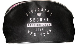 Victoria's Secret Victoria's Secret - fashion show makeup bag & brushes